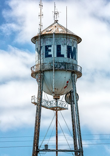 https://yelmcommunity.org/wp-content/uploads/2018/04/Yelm-Water-Tower_RorySagnerPhotography-1.jpg